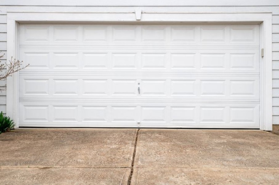 5 Simple Things to Check When Doing Garage Door Repairs